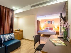 Nouvo City Hotel photo 27