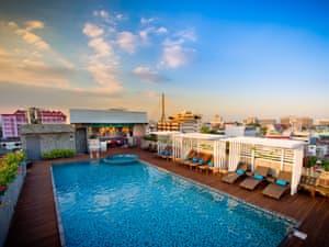 Nouvo City Hotel photo 1