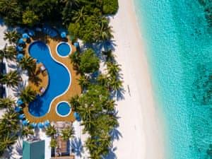 Furaveri Island Resort & Spa photo 2