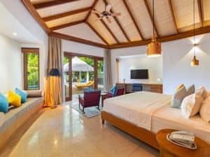 Furaveri Island Resort & Spa photo 44